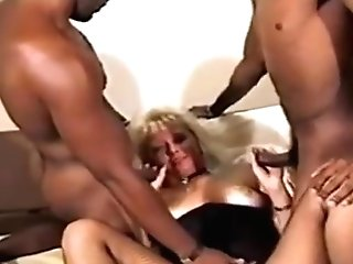 Big Titty Cougar In Interracial Threesome