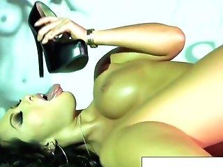 Stunning Asa Akira Plays With Her Moist Vagina