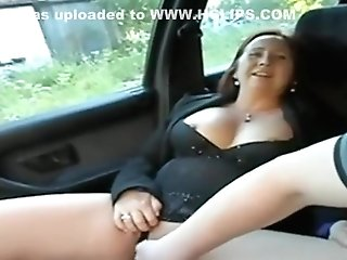 Chubby Matures Car Finger-tickling