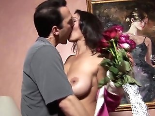 Seducing And Fucking Hot Mummy Persia