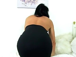 English Cougar Leah Needs Getting Off Badly