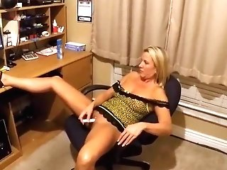 Wifey Masturbates In Front Of A Man