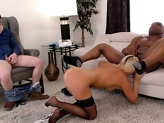 Sexologist India Summer Goes Black In Front Of Her Nerdy Customer
