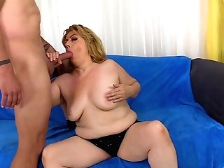Blonde Matures Peggy Sue Adores To Suck Hard And Lengthy Pecker Before Fuck