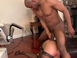 Big Booty Mummy In Strong Scenes Of Interracial