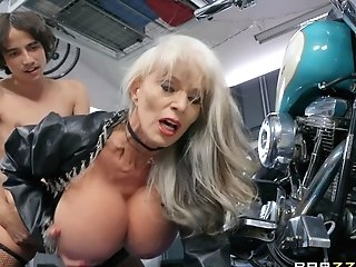 Blonde Mummy Sally D'angelo Longing For Hard Penis Deep Inwards Her Mouth