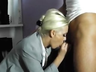 Secretarian Blows A Shaft And Gets Creampied