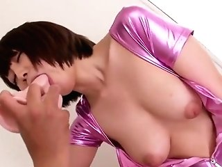 Delightful Breasty Cougar In Spandex Have Fun