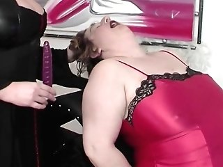 Bbw Mom Extreme Rough Fisted By Her Step Daughter-in-law