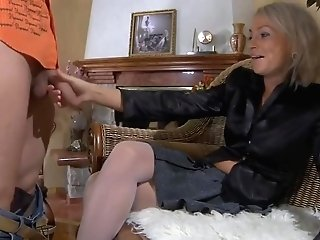Youthfull Banger Tempts Hot Blonde Cougar For Cock-squeezing Deep Throat