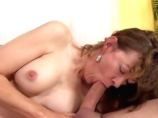 Big Culo Matures Mom, Rough Hookup On The Couch