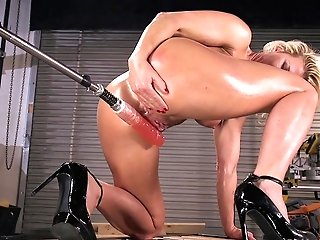 Orgy Fucktoys Can Please The Sexual Desires Of Oiled Blonde Ariel X