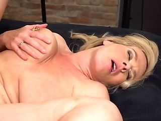 Masturbating With Fucky-fucky Fucktoys Pleases Both Domino And Her Friend