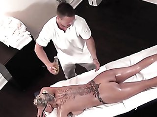 Mummy Princess Loves A Nuru Rubdown