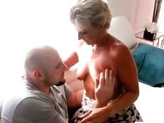 Hot Mummy Fuckfest And Money-shot
