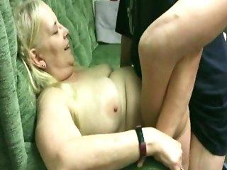 Matures Tramp Penny Sneddon Fucked Sans A Condom