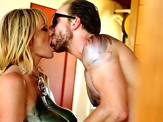 Kelly Madison Loves A Colorific Hump Session With A Paramour