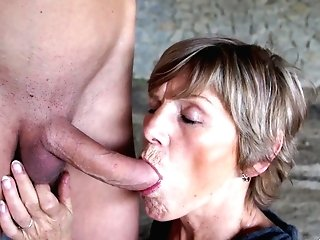Skinny Boy Pleases A Matures Cougar By Banging Her Outdoors