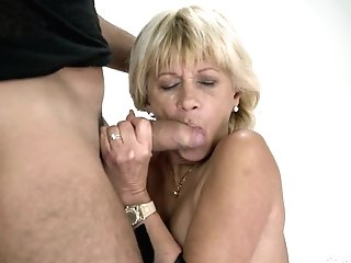 Brief Haired First-timer Matures Granny Diane Sheperd Fellates And Fucks