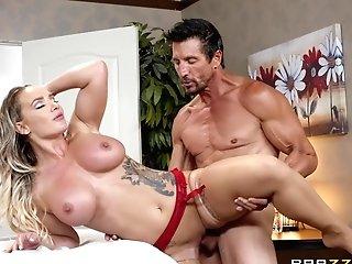 Bombshell Mega-slut Cali Carter Missionary Pounded And Gets A Jizz Shot