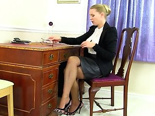 Abigail Toyne Masturbates In High High-heeled Slippers And Stockings