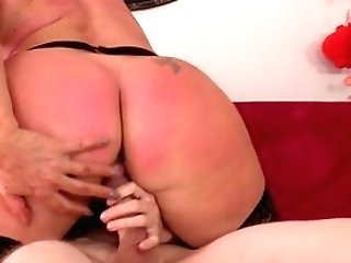 Fat Booty Matures Gets Her Arms On A Youthfull Dong