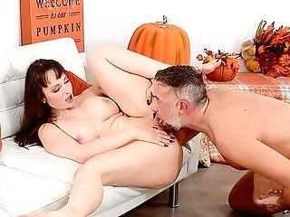Thick And Big-titted Lexi Luna Celebrates The Fall Season In Style