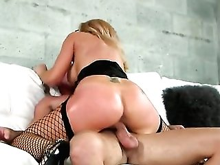 Tattooed Breathtaker Likes Fresh Hot Sperm Jizm All Over Her Face