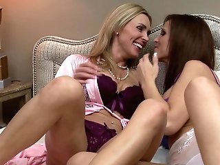 Matures Lesbos Tanya Tate And Syren De Mer Cooch Tonguing