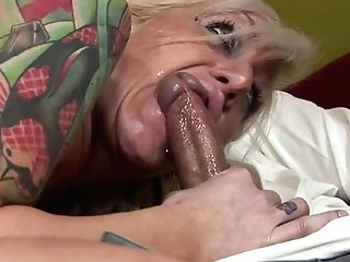 Blonde Stunner Gets Her Mouth Attacked By Dude's Thick Hard Meat Stick