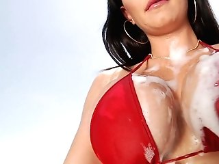 Mouth Watering Car Washer Brooke Beretta Gives A Deep Throat And Gets Laid