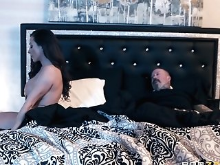 Lesbo Facesit With Ariella Ferrera And Ember Snow