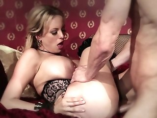 Hot Blooded Paramour Stormy Daniels Gets Her Fuckbox Fucked And Takes Jizm On Booty