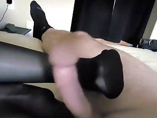 Wifey Providing Stocking Footjob And Jizz On Toes