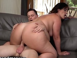 """""""lustygrandmas I Fucked One Of My Students After Meeting Him At The Bar"""""""
