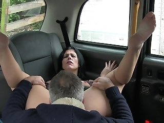 Skanky Dark Haired Lets Cabbie Have His Way In The Back Seat