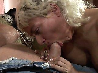 Blonde Gags On Stud's Pulsating Love Torpedo