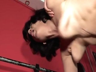 Hot Matures Lady In The Gym