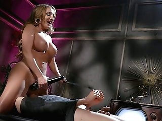 Bodacious Mistress Richelle Ryan Fucks Butthole Of Tied Up Enslaved And Sits On His Face