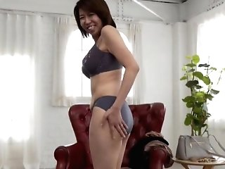 Solo Japanese Matures Amamiya Yoshiko Drops Her Clothes To Taunt