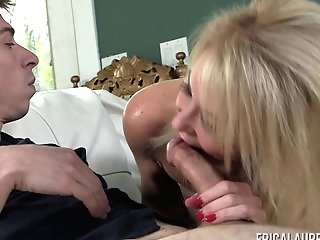 Blonde Mummy Erica Lauren Seduced By A Fellow With A Hard Lollipop