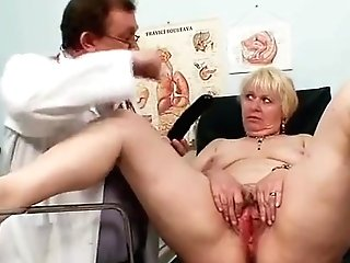 Chubby Blondie Mom Hairy Poon Physician Check-up