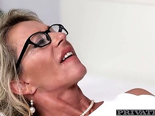 Cougar Marina Beaulieu Tastes Her Very First Big Black Fuckpole - Privateblack