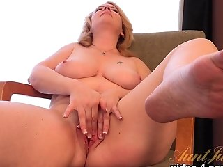 Best Porn Industry Star In Exotic Cougar, Big Tits Xxx Clip