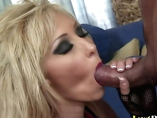 Chesty Blonde Jessica Lynn With Dirty Desires