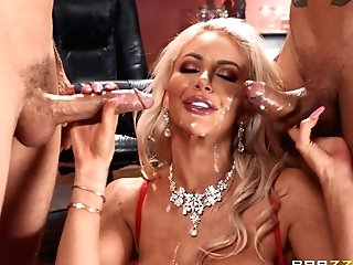 Blonde Nicolette Shea Loves To Sense Pleasure By Two Knobs At The Same Time