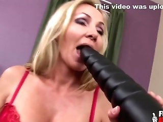 Will She Explode - Lisa Demarco