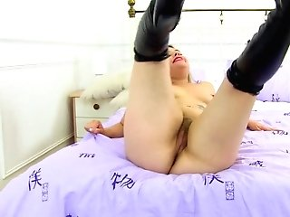 English Cougar Tammy Is Up To No Good In Her Whorey Lengthy Boots