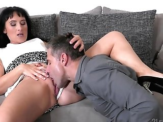 Dark-haired Auntie Likes The Cousin To Eat Her Before Penetrate Her
