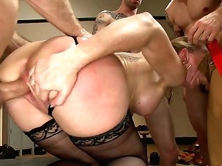 It Takes Five Thick Fire Hoses To Douse Simone Sonays Hot Cougar Cunt - Hardcoregangbang